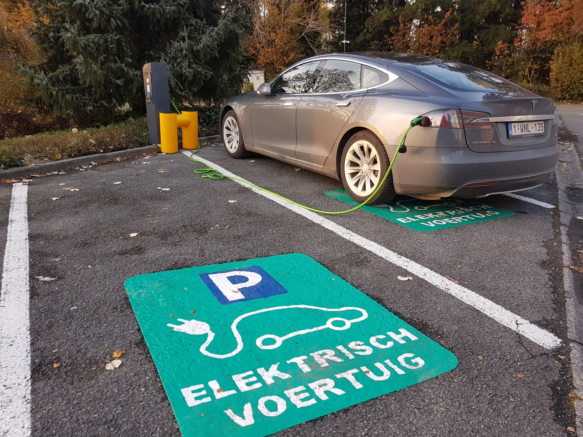 laadpunt elektrische voertuigen